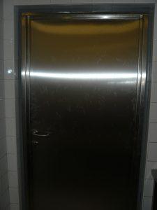 Nerezové dveře s nerezovou zárubní