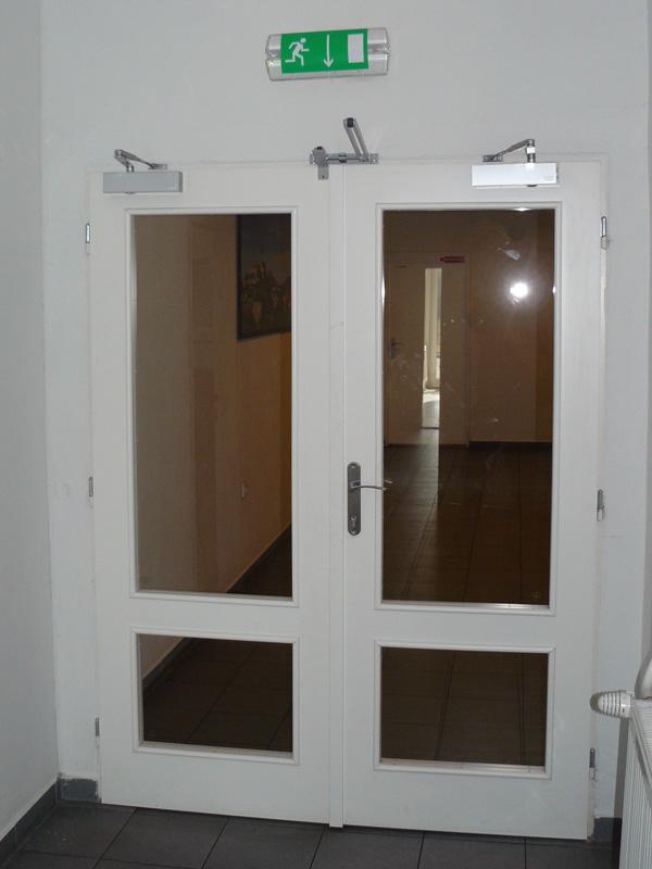 Holzbrandschutztüren mit Verglasung | Verkauf, montáž a servis ...