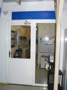 Oceľové požiarne dvere s presklením a bočným svetlíkom